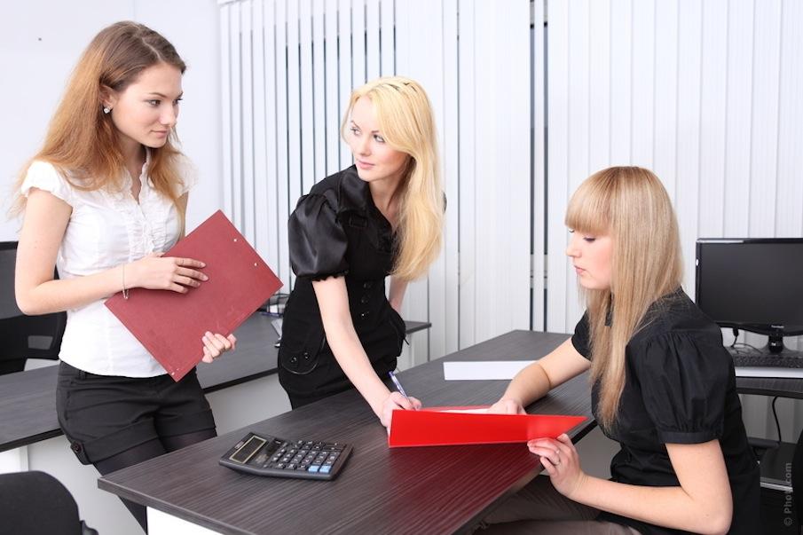 women working at internship