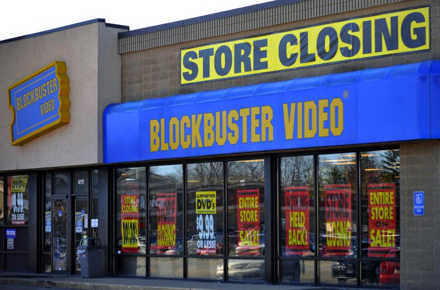 blockbuster closing remaining stores