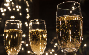 3 champagne glasses good for new year