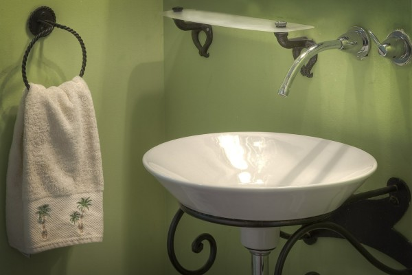 Give Your Bathroom the Hollywood Look