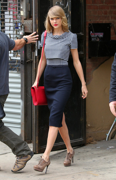 taylor swift, vintage, style, red lipstick,