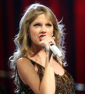 taylor swift singing