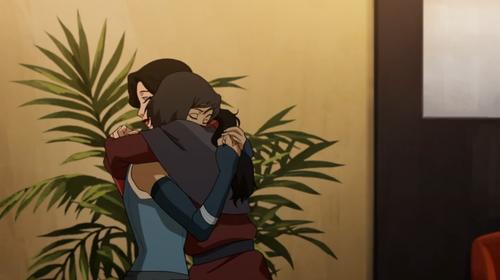 korra and asami hugging