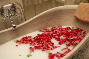 rose petals in bath tub
