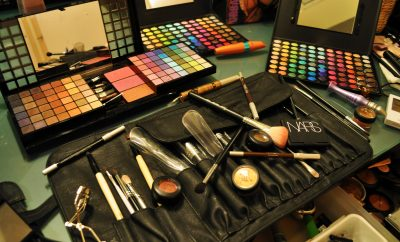 makeup palates and brushes