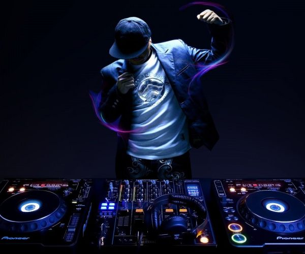 dj playing a pump up playlist