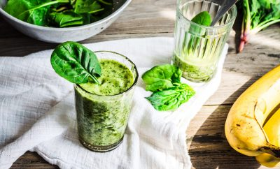 eating healthy with green smoothies