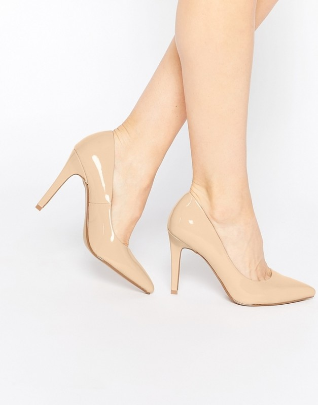 heels or stiletto for a successful woman must have