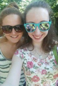 wear sunglasses to protect eye health