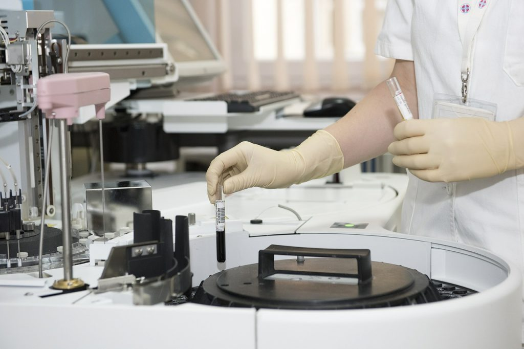 millennial women laboratory