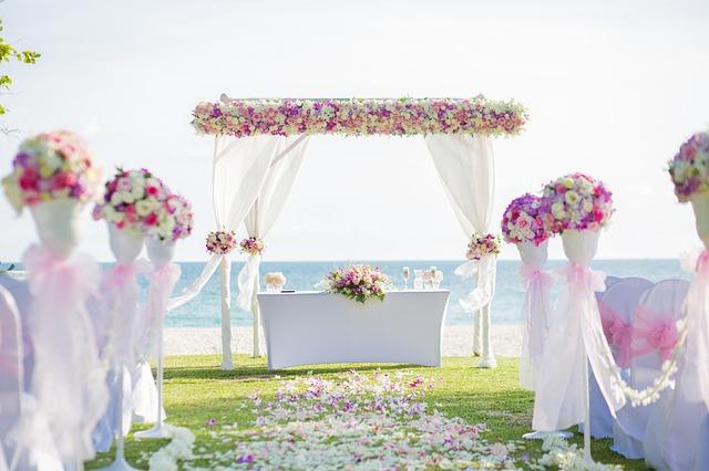 spring wedding flower-archway-2477270_640