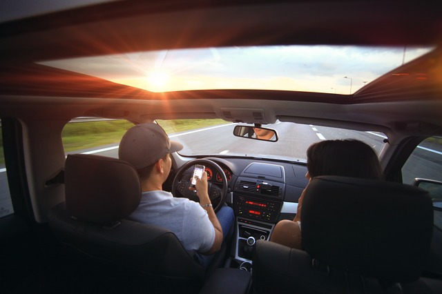 Avoid Distractions while driving safely